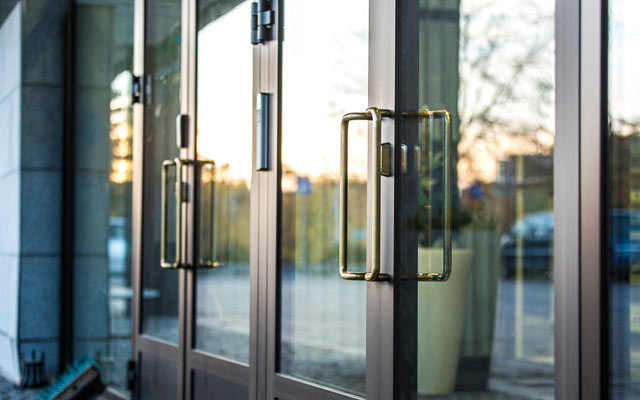 Rautarakenne Leivo - Tuotteet - Ovet ja Ikkunat